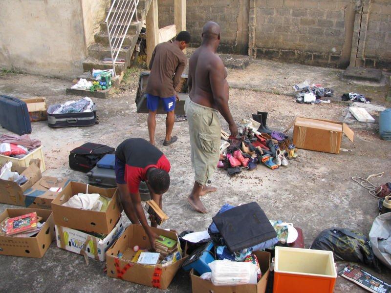 Sortieren von Sammelgütern in Enugu